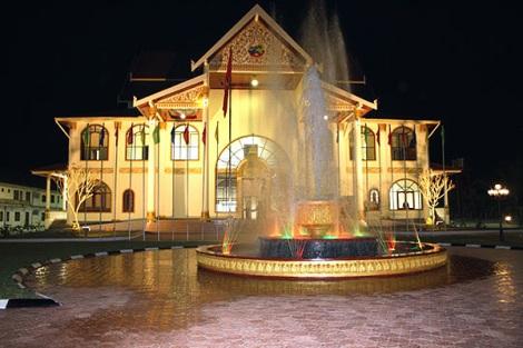 ที่มาของภาพ - guide-to-luangnamtha.com (ขอขอบคุณ)